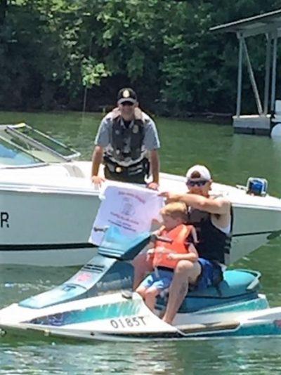 Ranger Dyer awarding Tshirt to child 0516